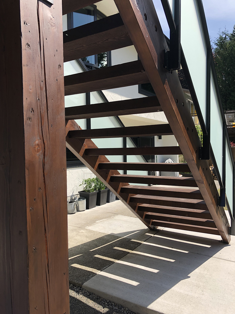 ExteriorPainting-staircase